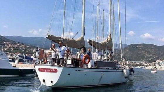 La Leonpalcaldo, museo galleggiante di arte irregolare