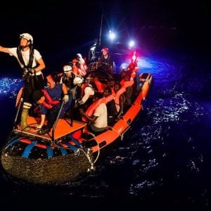 Aquarius, MSF chiede sbarco immediato delle 629 persone a bordo verso il porto sicuro più vicino