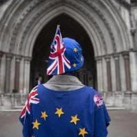 Brexit, May vince la battaglia: bocciato l'emendamento sul ruolo del parlamento