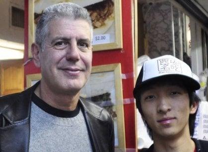In memoria di Anthony Bourdain  (e contro i suicidi): ristoranti cinesi donano 73 mila dollari