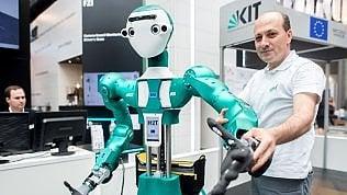 Sanità: Gb, con i robot dottori risparmi per 13 miliardi l'anno