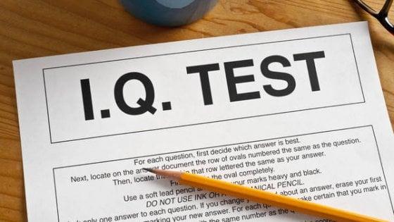 Scendono i punteggi del QI, oggi siamo meno intelligenti di ieri