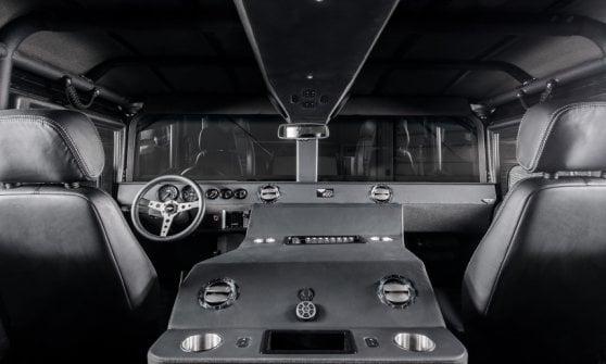 Torna l'Hummer H1, il mito dei 4x4