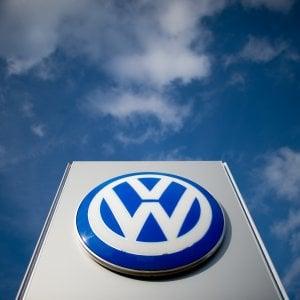 Dieselgate, in Germania multa da 1 miliardo di euro per Volkswagen. L'azienda: Pagheremo