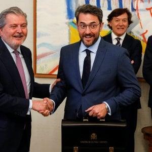 """Spagna, si dimette il ministro della Cultura: """"Frode fiscale"""""""