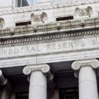 La Fed alza il costo del denaro e le stime del Pil Usa