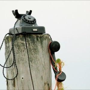 Il Garante: 30 minuti di telefonate gratis ai più poveri