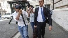 """Di Maio contro Salvini sullo stop al tetto sul contante. E lancia il """"decreto dignità"""""""