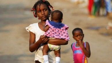Africa, in Tanzania, Guinea Equatoriale  e Sierra Leone le ragazze incinte   Video   e le giovani madri sono escluse dalla scuola