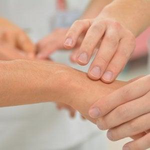 Reumatismi arrivano le supercure, e costano meno