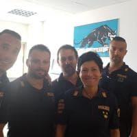 Nubifragio ad Ancona, poliziotti salvano due donne nel sottopasso allagato: i volti degli agenti