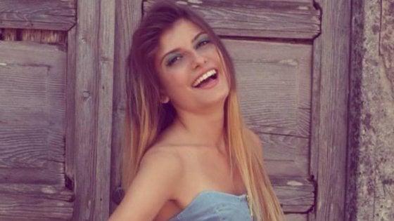 Affetta da anoressia muore a 26 anni. Il crollo dopo la perdita di entrambi i genitori