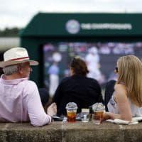 Wimbledon dice basta alle cannucce di plastica