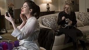 Anne Hathaway: «Noi otto, ladre sì, ma solidali»
