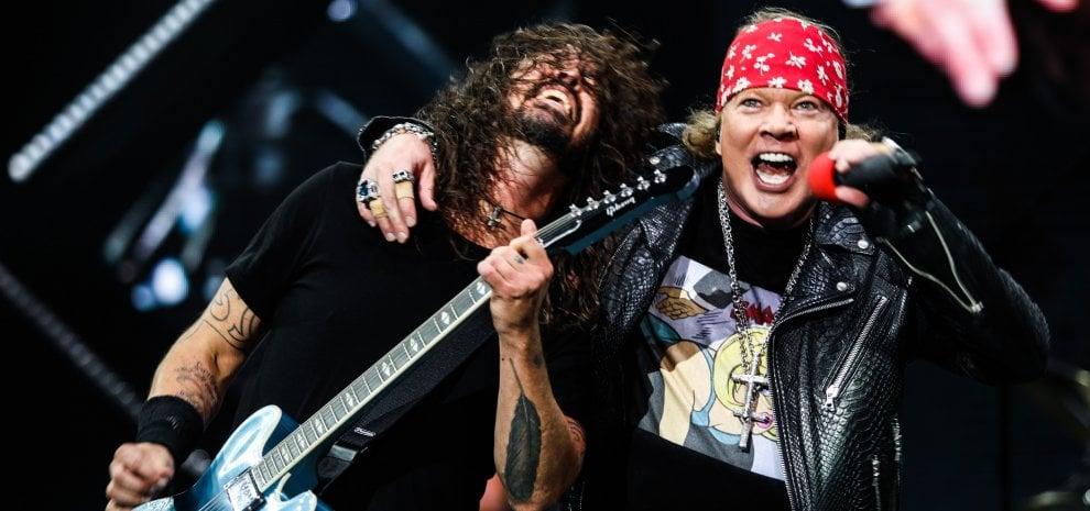 Foo Fighters, benvenuti nella giungla, Firenze va in delirio: e spuntano anche i Guns N' Roses