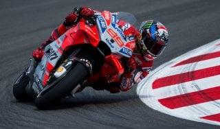 Motogp, Catalogna: Lorenzo domina le libere. Rossi e Marquez fuori dai primi 10