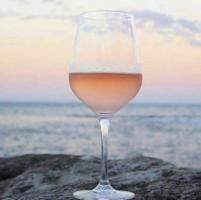 Qualcuno ha detto rosato? L'irresistibile avanzata di un vino da conoscere meglio