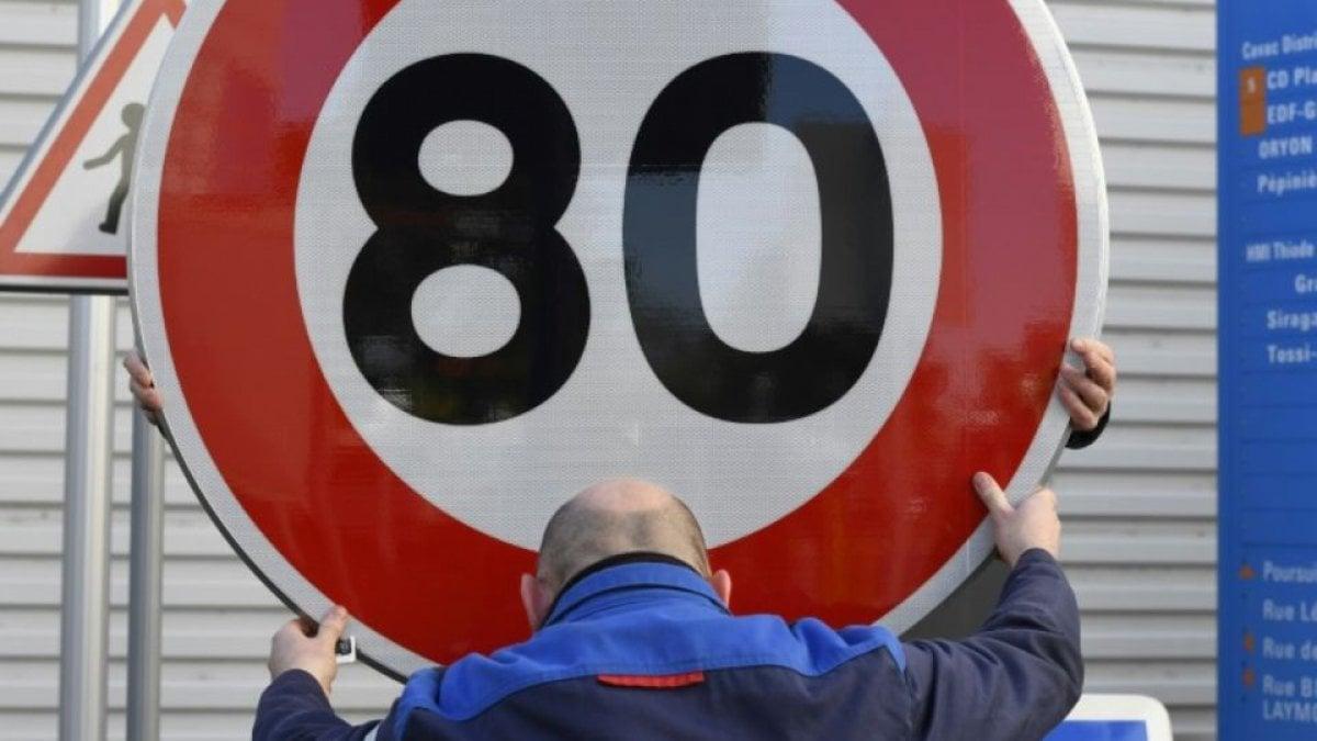 Adesso è definitivo. Il limite di velocità sulle strade francesi