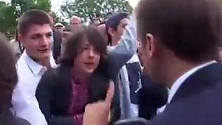 """""""Chiamami Signor Presidente"""":Macron rimprovera il teenager"""