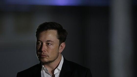 """Tesla, i sospetti di Musk dopo gli incidenti: """"C"""