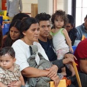 Migranti, separati dai genitori: l'audio con i pianti dei bambini scuote l'America