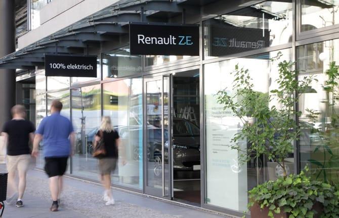 Renault, e lo store diventa elettrico