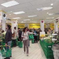 Le famiglie italiane spendono 2.564 euro al mese. Tra Nord e Sud un gap di 800 euro