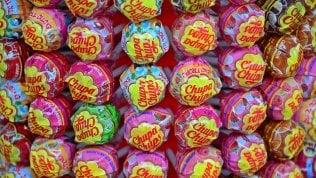 Chupa Chups, i 60 anni della caramella sul bastoncino più famosa del mondo