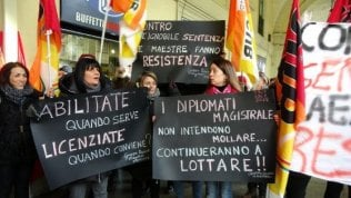 Laureate contro diplomate:la guerra delle maestre