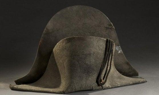 Lione, venduto all'asta per 350mila euro il cappello bicorno di Napoleone