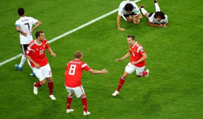 La Russia vede gli ottavi, Egitto battuto 3-1