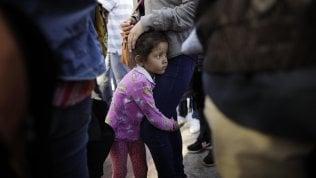 Usa, lo strazio dei bimbipiega i repubblicani:stop a separazionidai genitori al confine