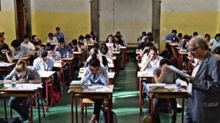 Ore 8 e 30: inizia l'esameper 509mila studenti Lo speciale di Rep.it
