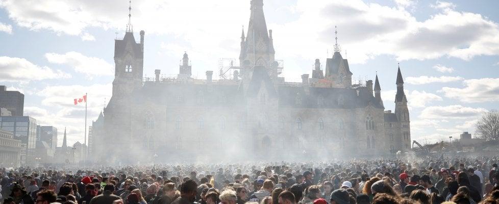 Il Canada legalizza la marijuana, è il primo Paese del G7