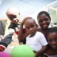 Migrazioni, 30 milioni di bambini sfollati al mondo per i conflitti: è