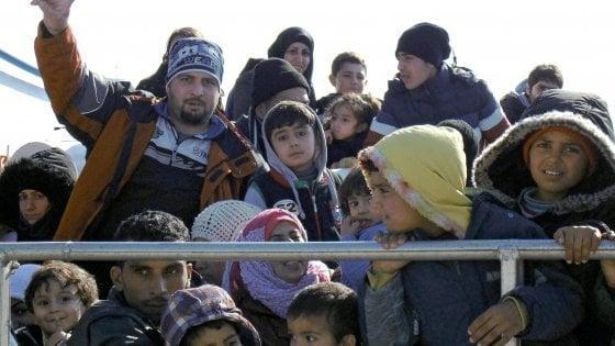 Migranti, l
