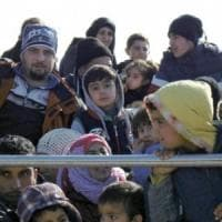 """Migranti, l'Ocse: """"Nel 2017 in Italia sbarchi calati del 34%"""""""
