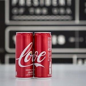 Coca-Cola lancia la lattina Arcobaleno per Milano Pride 2018