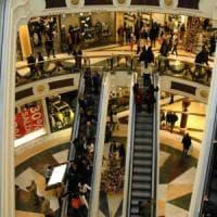 """Commercio, Di Maio: sì ai tavoli sul popolo dei """"senza domeniche"""" e sulle false coop"""