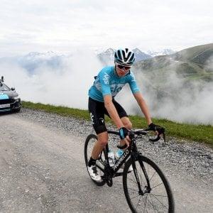 "Tour de France, Hinault attacca Froome: ""Gruppo deve scioperare se c'è lui"""