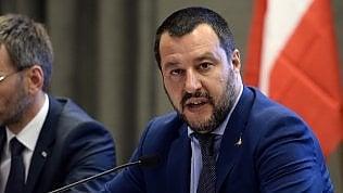 """""""Pronti a chiudere anche le frontiere"""":ora Salvini minacciadi far saltare Schengen"""