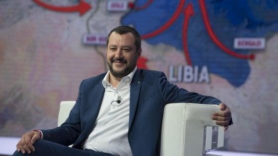 Salvini risponde a Macron:
