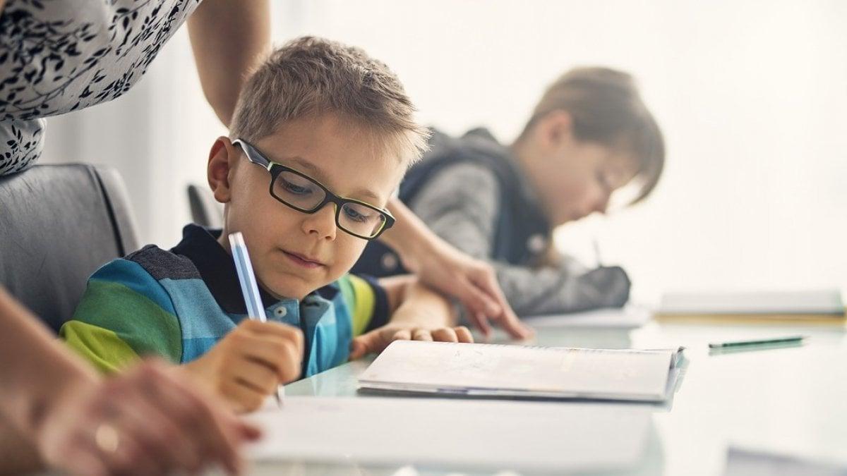"""PER MOLTI genitori è un tormento. """"Mio figlio non studia,"""