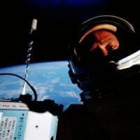 """Il """"miglior selfie della storia"""": l'astronauta Buzz Aldrin festeggia così la giornata..."""