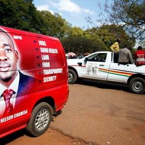 """Zimbabwe, folla di candidati per il dopo Mugabe. E il """"coccodrillo"""" si rafforza"""