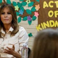 Melania Trump a sorpresa visita in Texas un centro di bambini separati dai genitori:...