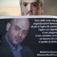Salvini contro la scorta a Saviano: la solidarietà allo scrittore dai social