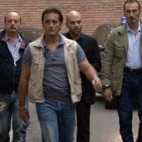 """Da Salvini avvertimento a Saviano: """"Valutiamo se gli serve la scorta"""". Lo scrittore:..."""