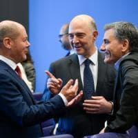 Grecia, dopo 8 anni finisce l'era della Troika: l'Eurogruppo promuove Atene, alleggerito...