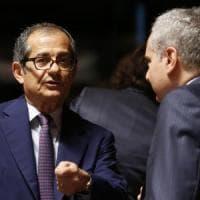 """Gli impegni di Tria in Europa: """"Per il 2018 interventi senza costi, ridurre debito"""""""